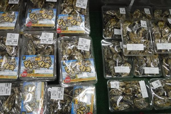 糸島カキ買えますよ!!