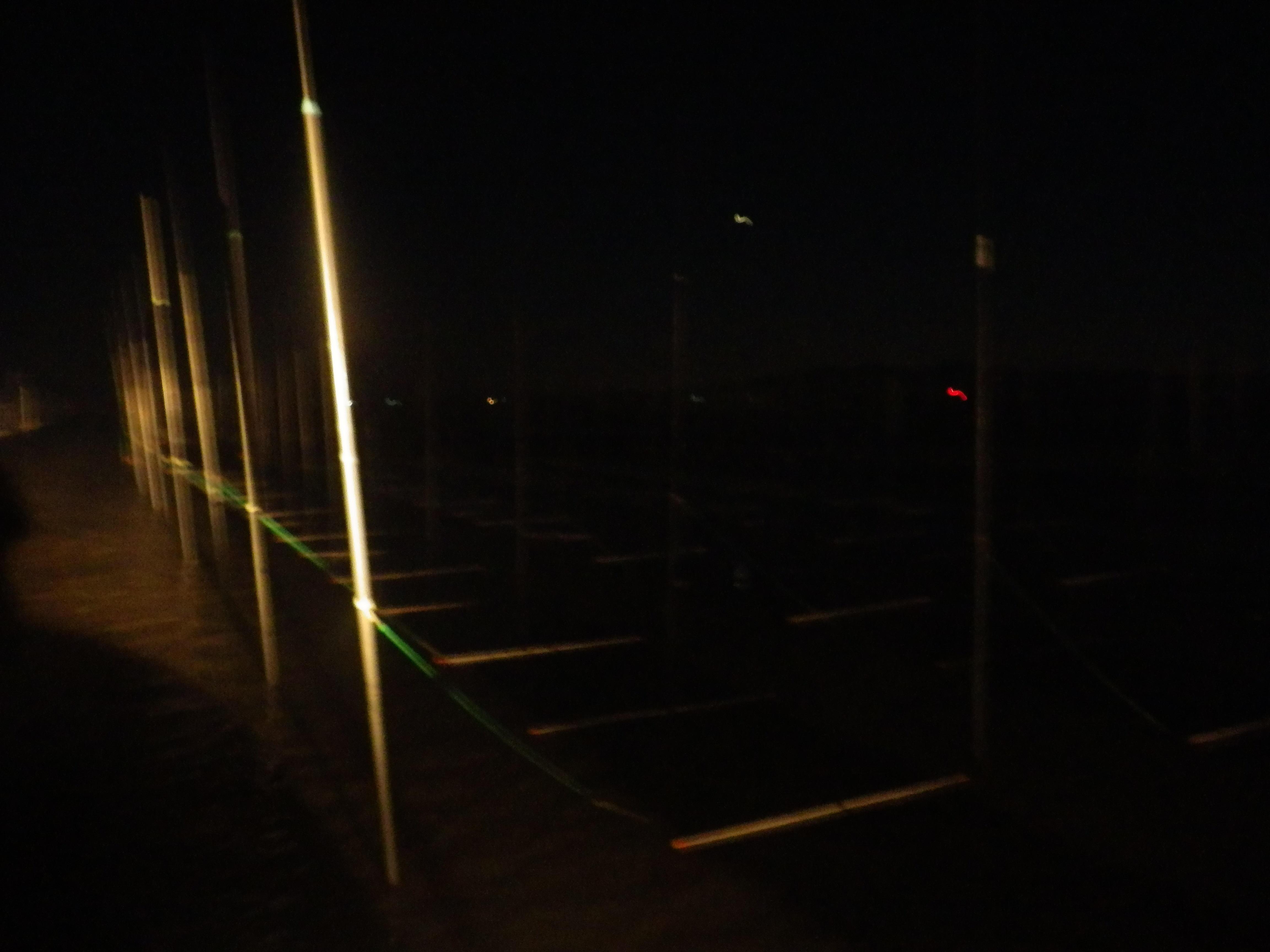 暗くて寒い夜の漁場